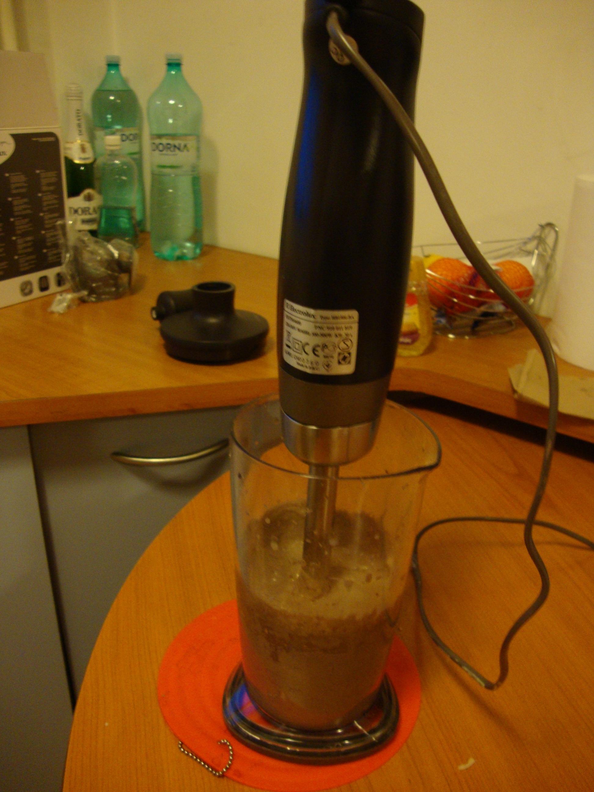 Mixer Electrolux-preparare crema de ciocolata