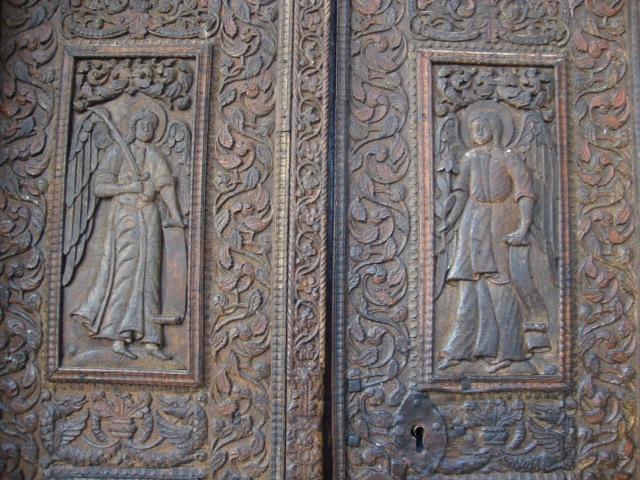 detaliu poarta Stavropoleos-wood -wood cut Stavropoleos monastery