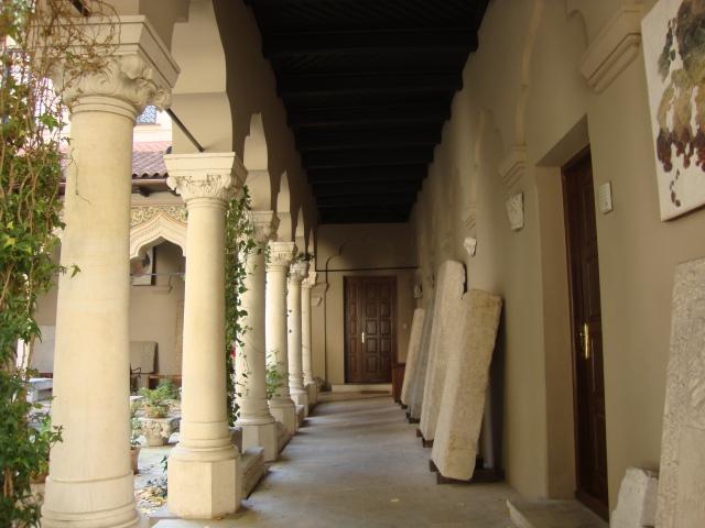 arcade si coloane neobizantine-neo-byzantine style