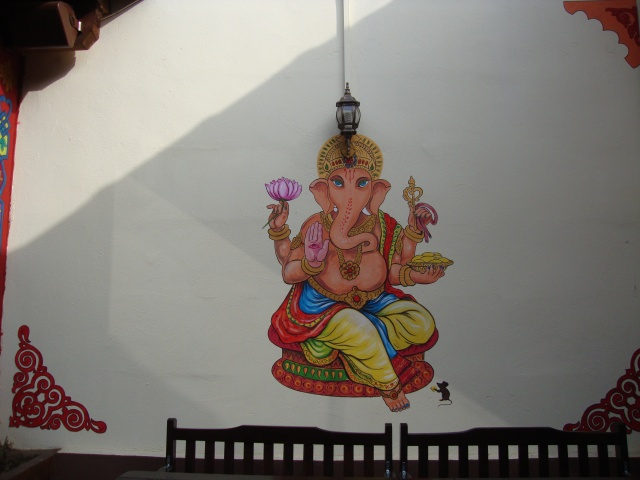 decor ganesha cafe